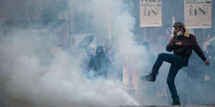 Des manifestations contre la réforme des retraites et des « gilets jaunes » un peu partout en France