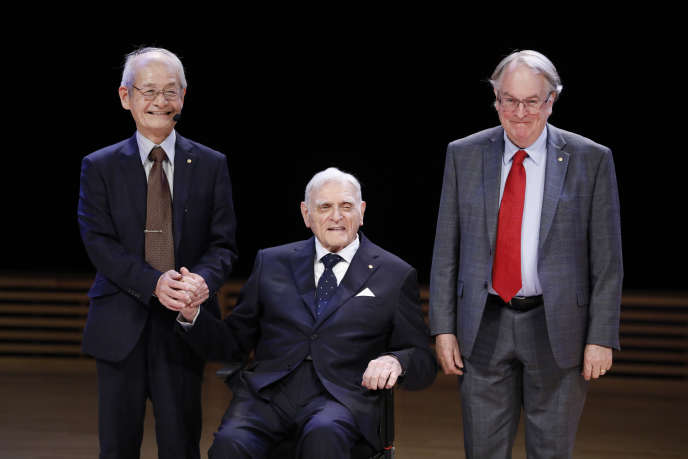 Les lauréats du Nobel de chimie 2019 : (de gauche à droite) Akira Yoshino, John B. Goodenough et Stanley Whittingham, le 8 décembre, à Stockholm.