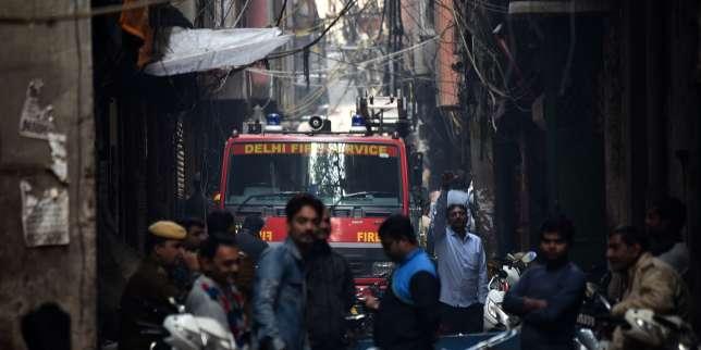 En Inde, l?incendie d?une usine à New Delhi fait de nombreux morts