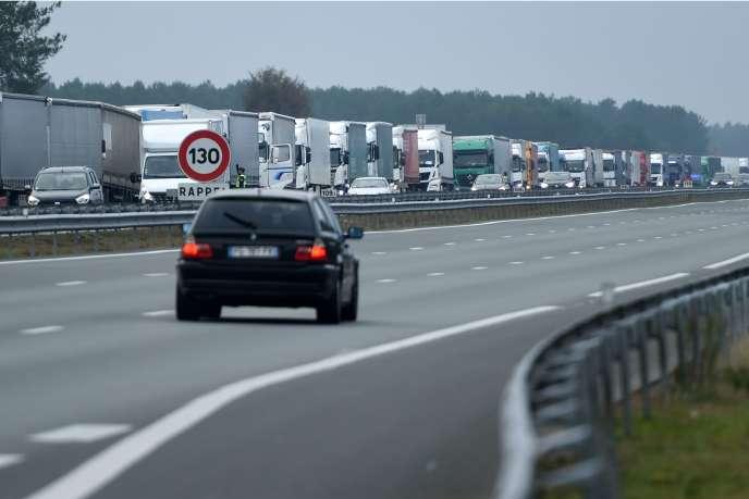 Circulation perturbée lors de la grève du 7 décembre, sur une autoroute de France.