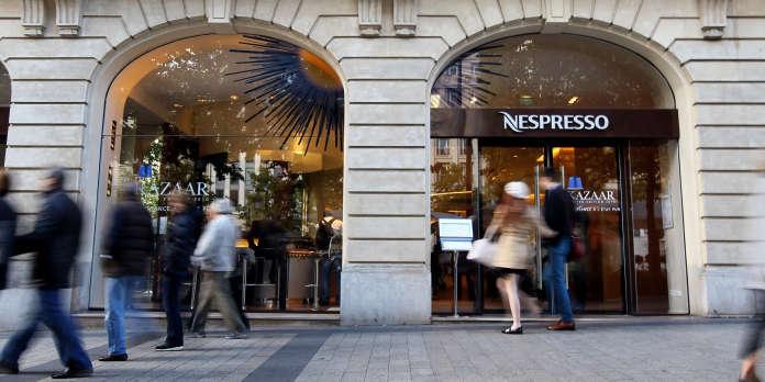Nespresso ferme boutique sur les Champs-Elysées