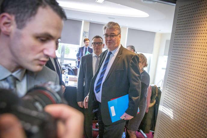 Jean-Paul Delevoye, haut-commissaire aux retraites, au ministère de la santé à Paris, le 9 décembre.