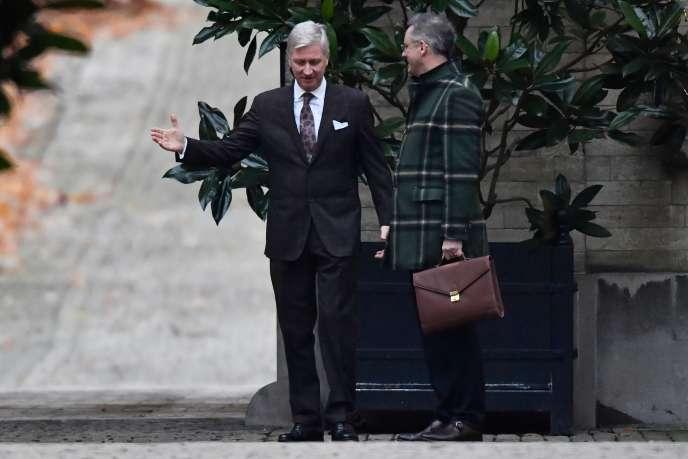 Le roi Philippe reçoit Joachim Coens,président des chrétiens-démocrates flamands, le 10 décembre 2019 à Bruxelles.