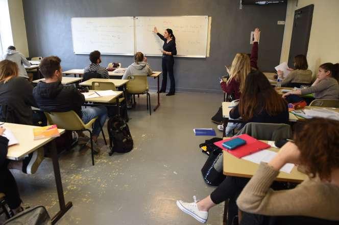 Cours de mathématiques dans un lycée français, en mars 2017.