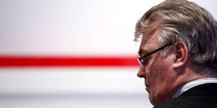 Le haut-commissaire aux retraites Jean-Paul Delevoye démissionne