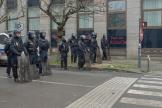 Des policiers encerclent les manifestants lors de la mobilisation contre la réforme des retraites à Rennes, le 10 décembre.