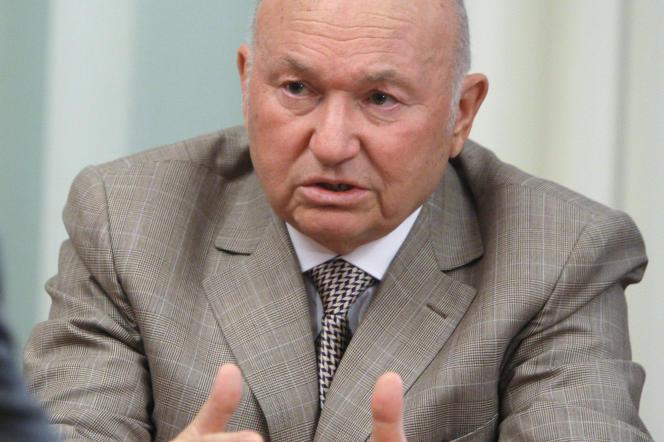 Le maire de Moscou Iouri Loujkov s'entretient avec le président russe à Moscou, le 15 mai 2010.
