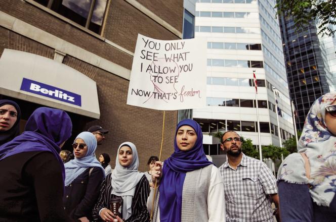 Manifestation en juin à Montréal contre la loi 21, qui interdit les signes religieux dans l'administration.