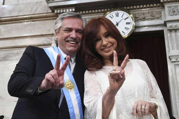 Le nouveau président argentin Alberto Fernandez et sa vice-présidente Cristina Fernandez de Kirchner lors de sa cérémonie d'inauguration au Congrès de Buenos Aires, le 10 décembre.