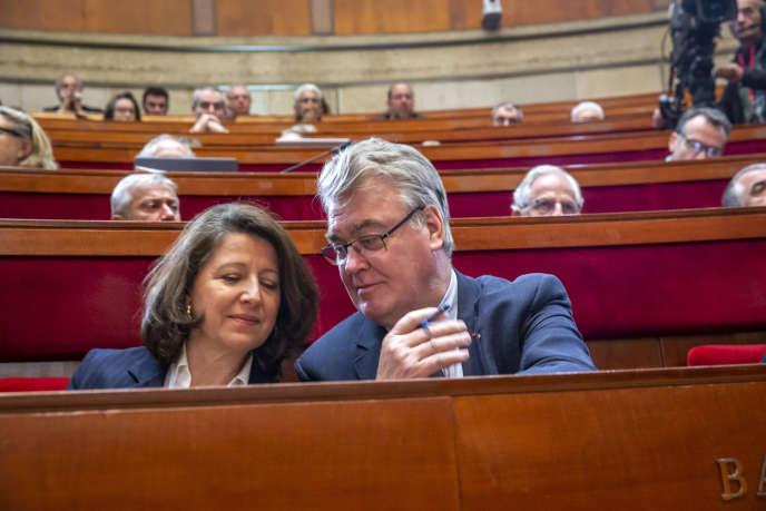 Agnès Buzyn, ministre de la santé, et Jean-Paul Delevoye, haut-commissaire aux retraites, à Paris, le 11 décembre.