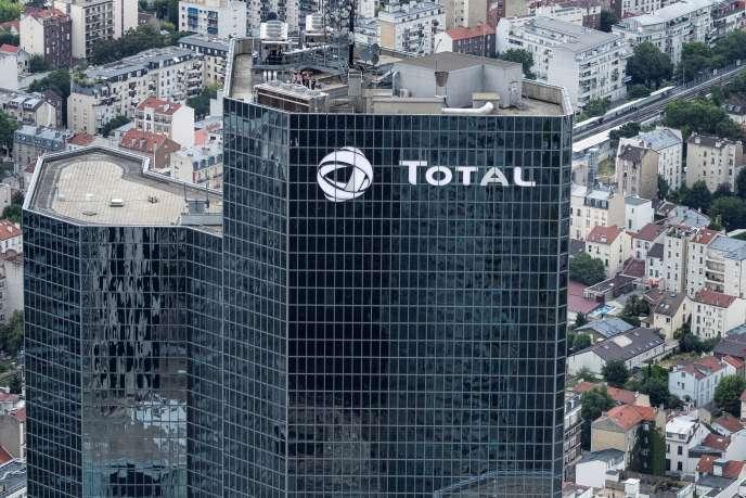 Le siège du groupe Total, dans le quartier d'affaires de la Défense, à l'ouest de Paris.