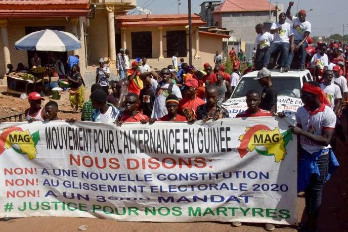 Manifestation contre un éventuel troisième mandat du président guinéen Alpha Condé à Conakry, le 26 novembre 2019.