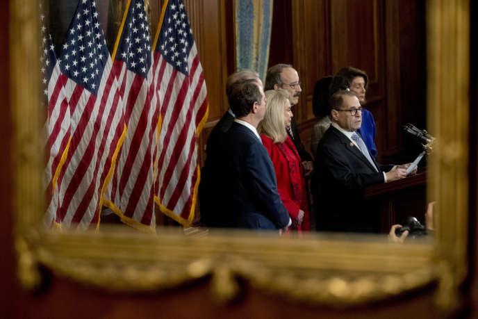 Conférence de presse des représentants des démocrates menée par Jerry Nadler, à Capitol Hill, le 10 décembre.