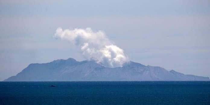 Les images de l'éruption sur White Island, en Nouvelle-Zélande