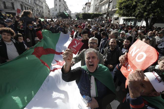 Alger,le 12 décembre 2019 : manifestation contre la tenue de l'élection présidentielle.