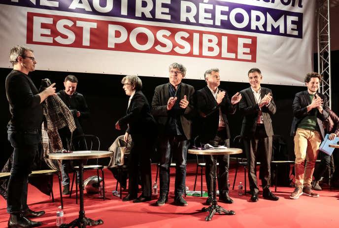 Meeting unitaire de la gauche contre la réforme des retraites, à Saint-Denis, le 11 décembre.