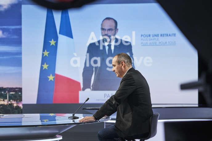Laurent Berger, secrétaire général de la CFDT, invité du journal télévisé de France 2 pour s'exprimer sur la réforme des retraites, le 11 décembre.