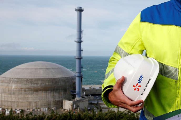 Sur le chantier de l'EPR (réacteur nucléaire de troisième génération) de Flamanville, dans la Manche, en novembre 2016.