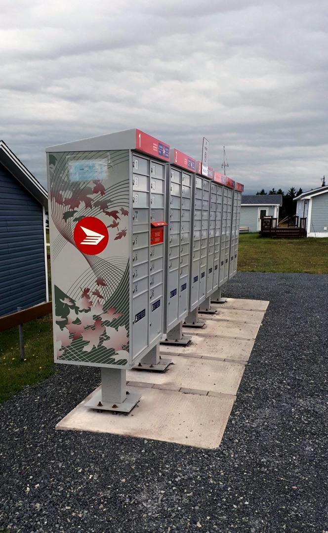 Boîtes postales, au Canada, photo de Patrick Dérible.