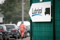 Devant l'usine Lubrizol de Rouen, en octobre2019.