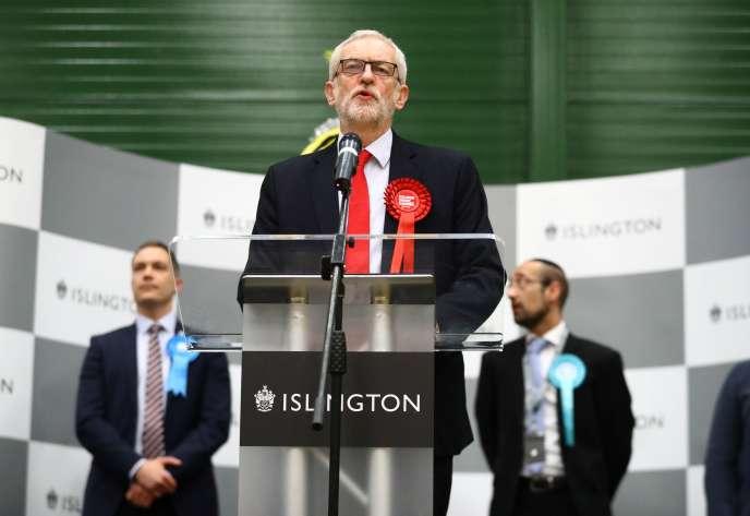Jeremy Corbyn s'exprime après les résultats, vendredi.
