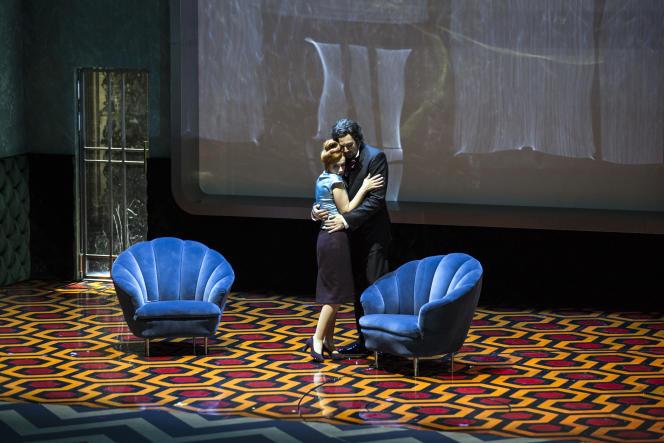Patricia Petibon et Eric Cutler dans les « Contes d'Hoffmann »,d'Offenbach, mis en scène par Krzysztof Warlikowski.