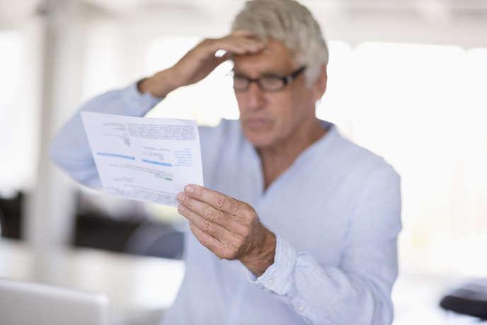 Ces formules comprennent les frais de tenue de compte et une carte bancaire, mais aussi, le plus souvent, une assurance des moyens de paiement, des alertes SMS sur le solde du compte, voire l'émission de plusieurs chèques de banque par an...