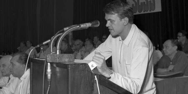 Le destin peu commun de Milan Kundera, l'écrivain qui venait du froid