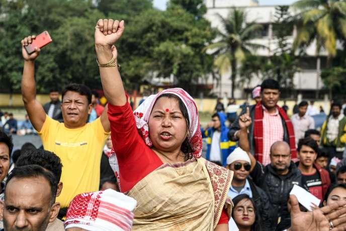 Manifestation contre la réforme de la loi sur la nationalité à Guwahati, dans le nord-est de l'Inde, le 13 décembre.