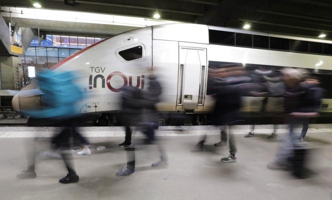 Mardi, 8 TGV sur 10 circuleront, selon la SNCF.