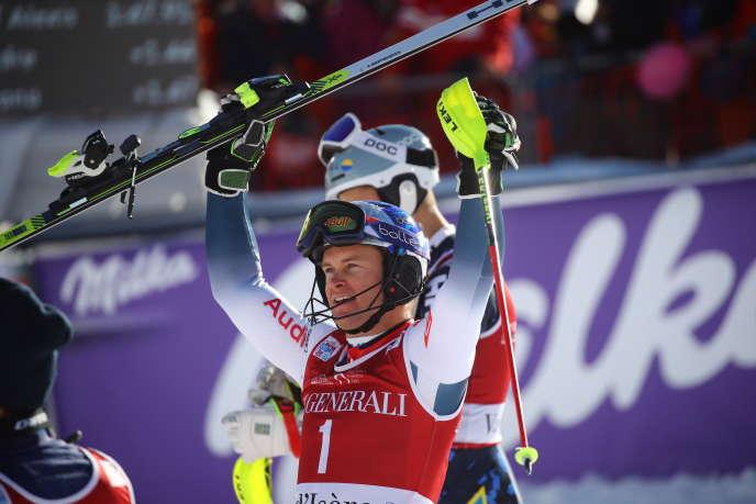 Alexis Pinturault, à l'arrivée de l'épreuve du slalom masculin, lors de la Coupe du monde de slalom, à Val-d'Isère (France), le dimanche 15décembre2019.