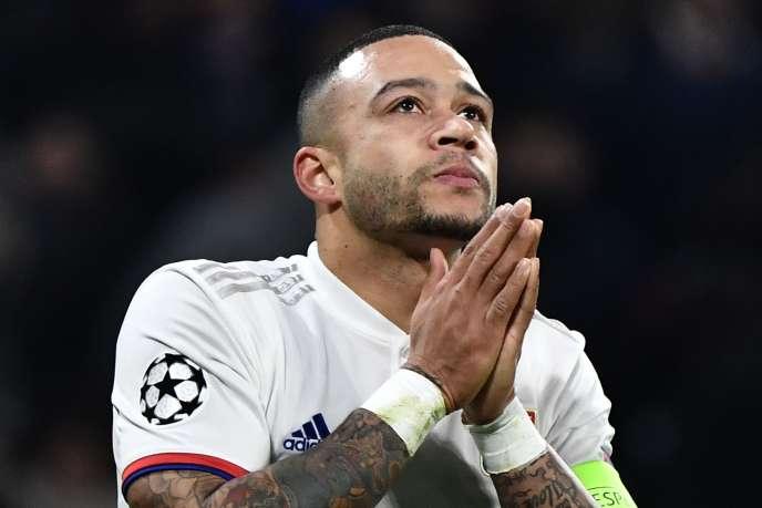 Memphis Depay s'est gravement blessé à un genou dimanche face à Rennes.