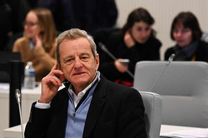 Alain Carignon, lors du conseil municipal, à Grenoble, le 16 décembre.