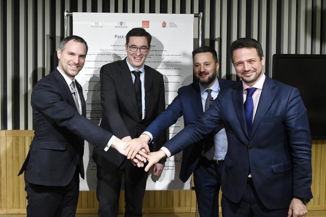 Les maires de Prague, Varsovie, Budapest et Bratislava ont célébré le 16décembre la naissance d'une «alliance des villes libres», à Budapest.