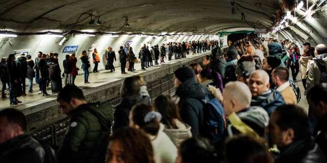Grève contre la réforme des retraites: le trafic restera perturbé lundi à la SNCF et à la RATP
