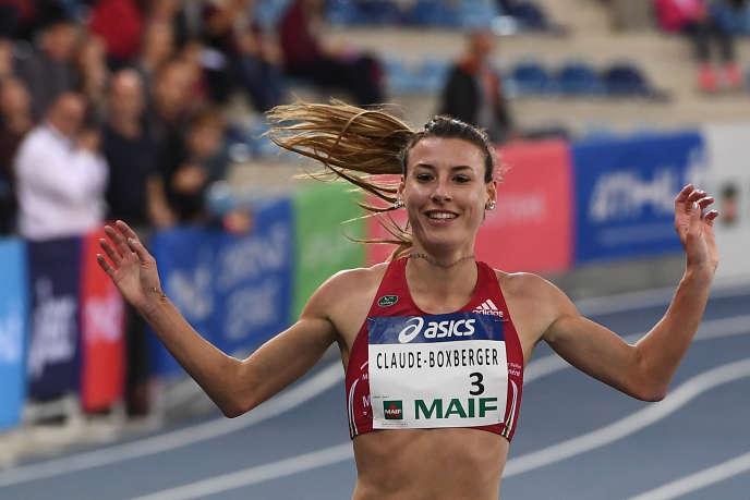 Ophélie Claude-Boxberger, après sa victoire aux championnats de France en salle sur 3000 mètres, à Miramas en février.