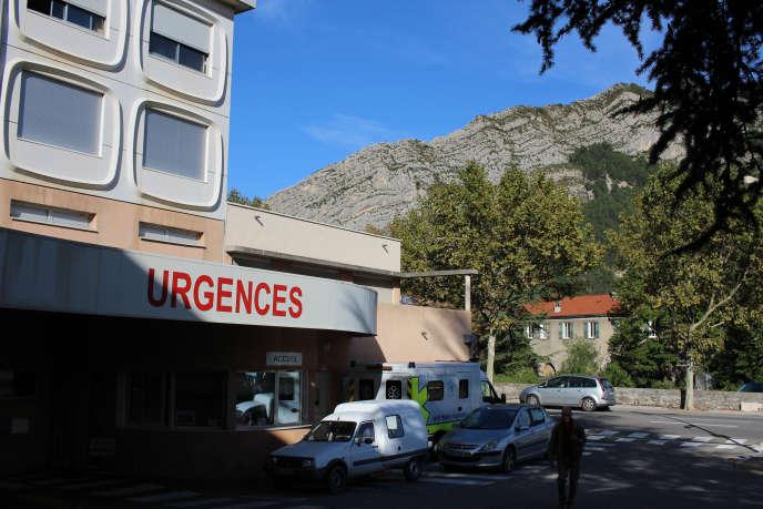 Les urgences de l'hôpital de Sisteron (Alpes-de-Haute-Provence), le 25octobre. Depuis le 15juillet, le service est fermé la nuit, faute de médecin, dans cette ville de7000habitants.