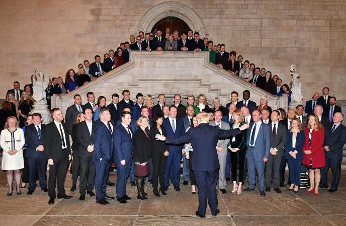 Boris Johnson s'adresse aux députés conservateurs fraîchement élus, au Parlement, à Londres, le 16 décembre.