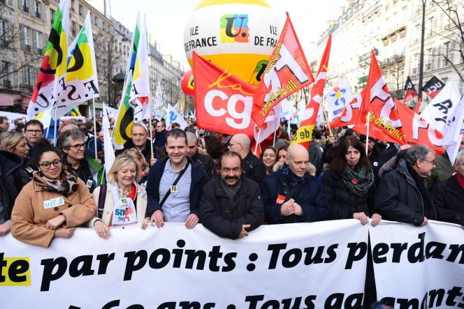 Tête de cortège avec Philippe Martinez (CGT) à la manifestation contre la réforme des retraites du 17 décembre à Paris.