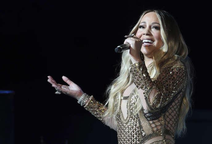 Mariah Carey chante lors de la Dubai Expo, le 20 octobre.