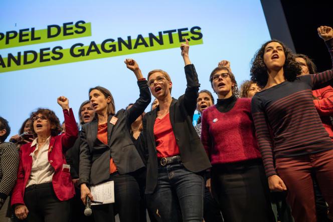 Meeting sur le thème «Femmes et retraites» avecClémentine Autain (au centre), députée France Insoumise de Seine Saint Denis, le 16 décembre à Paris.