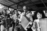 Valéry Giscard d'Estaing jouant de l'accordéon au festival de Montmorency (Val d'Oise), le 25 juin 1973.