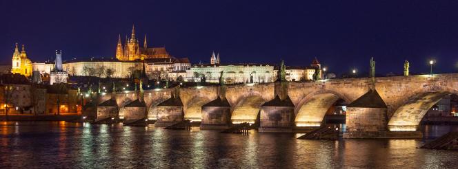 A Prague, le château médiéval domine la ville depuis plus de mille ans.