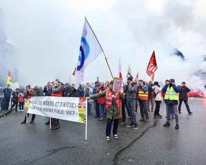 Manifestation contre la réforme des retraites, à Rennes, le 17 décembre 2019.