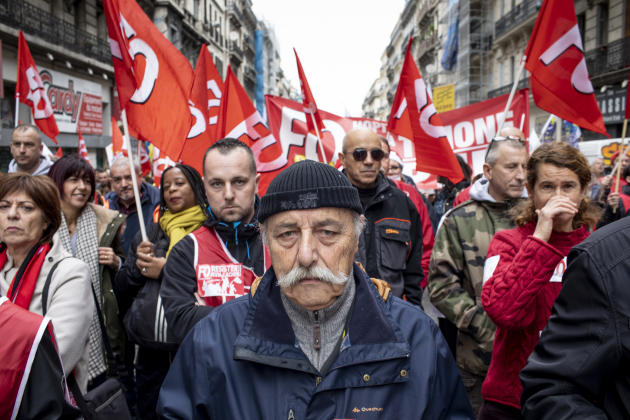 A Marseille, des militants Force ouvrière dans la manifestation.