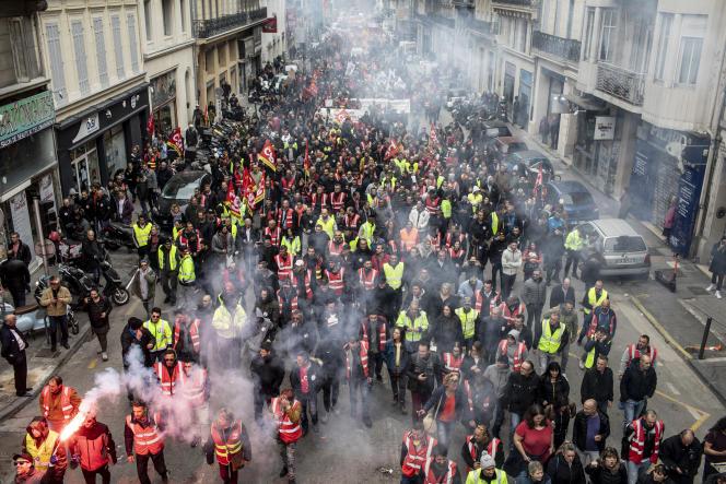 « On a beaucoup insisté sur la chute des effectifs syndicaux, en ne remarquant guère que ceux-ci sont stables dans l'ensemble depuis les années 1990» (photo: manifestation contre la réforme des retraites, Marseille, le 17 décembre 2019).