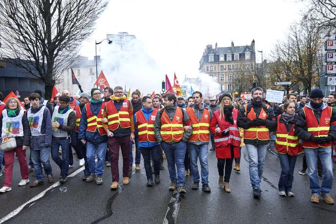 Manifestation contre la réforme des retraites, le 17 décembre, à Rennes.