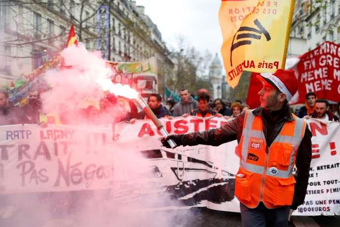 Mobilisation contre la réforme des retraites, à Paris, le 19 décembre.