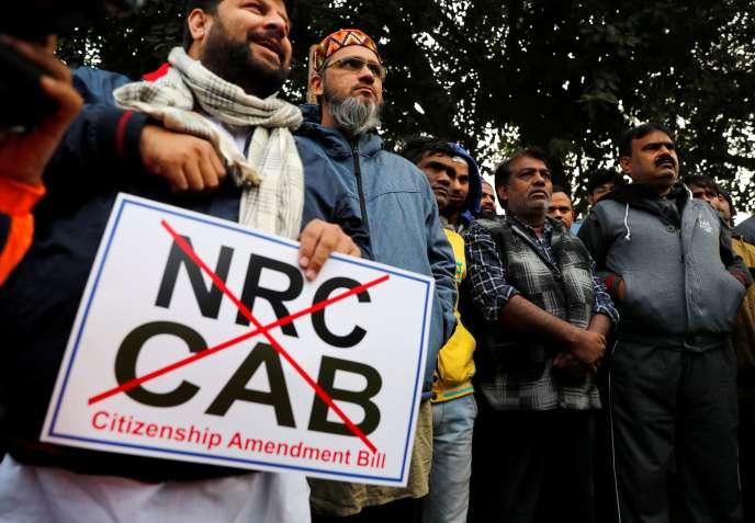 Des manifestants protestent contre une nouvelle loi sur la citoyenneté, à Delhi (Inde), le 19décembre2019.