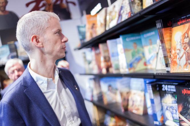 Le ministre de la culture, Franck Riester, au Festival de la bande dessinée d'Angoulême, en janvier.